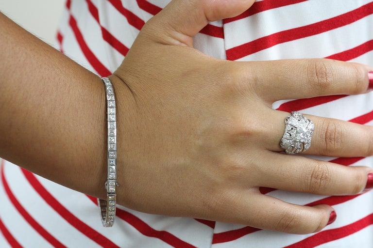 Art Deco 1920 French Cut Diamond Line Tennis Bracelet in Platinum For Sale 1