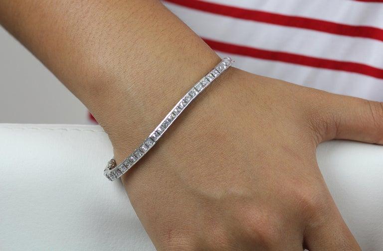 Art Deco 1920 French Cut Diamond Line Tennis Bracelet in Platinum For Sale 2