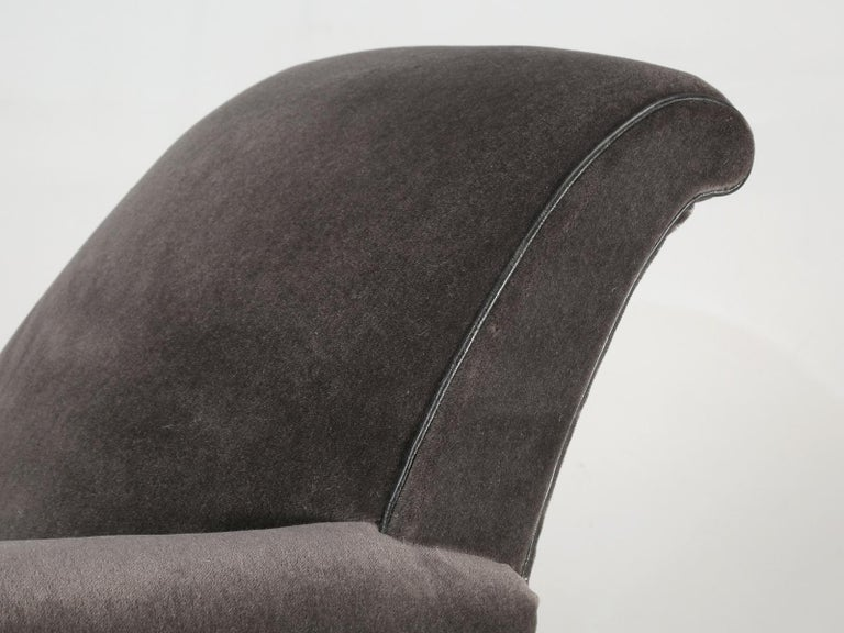 French Deco Club Chair Restored in Mohair In Excellent Condition For Sale In Chicago, IL