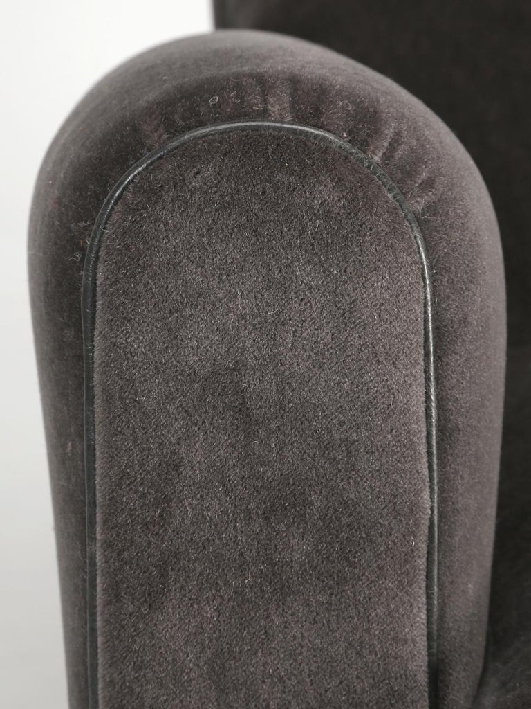 French Deco Club Chair Restored in Mohair For Sale 3