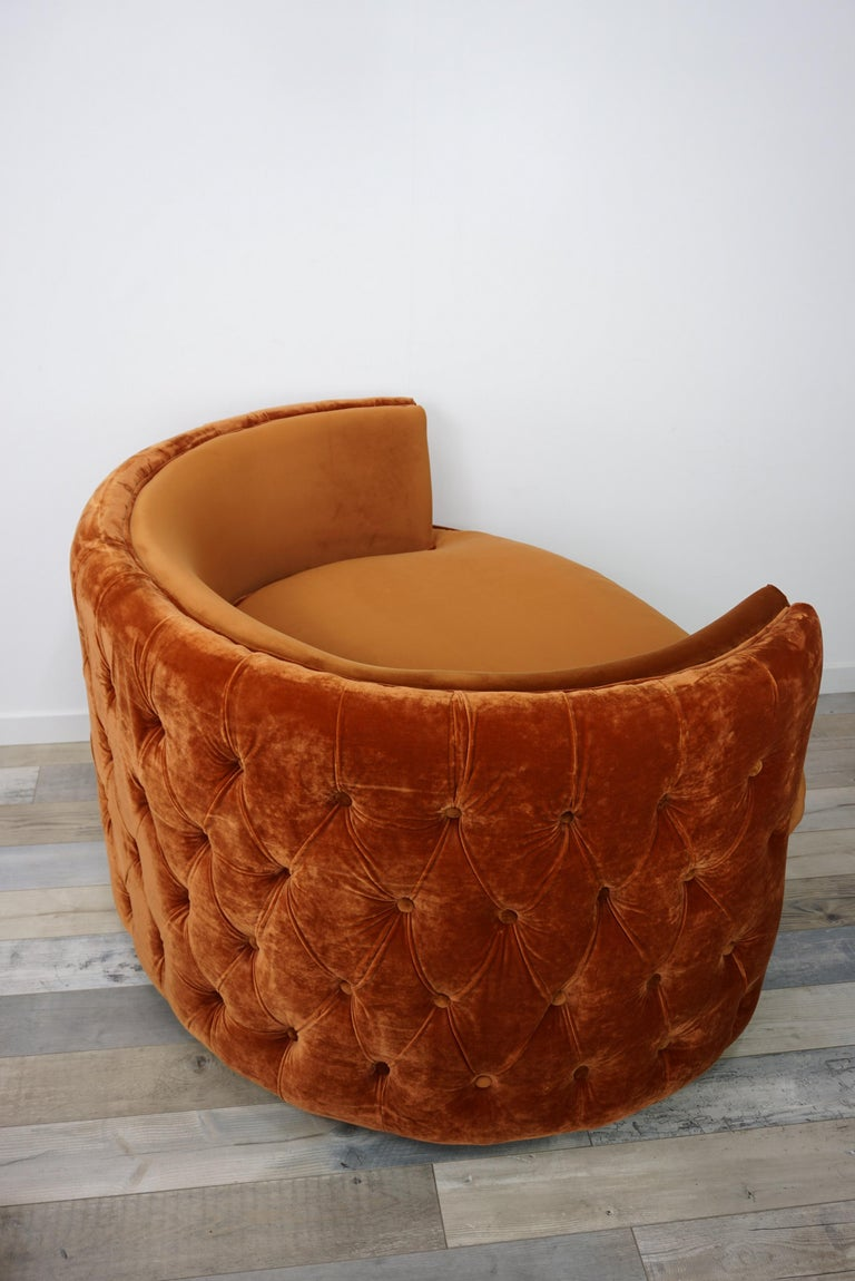French Design Velvet and Swivel Large Armchair For Sale 1