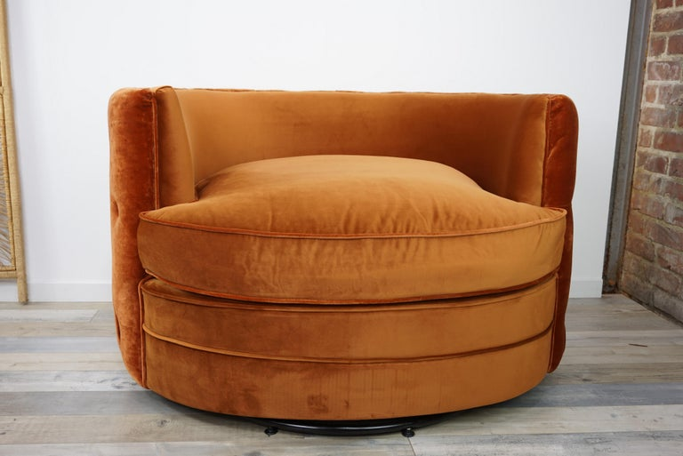 French Design Velvet and Swivel Large Armchair For Sale 3