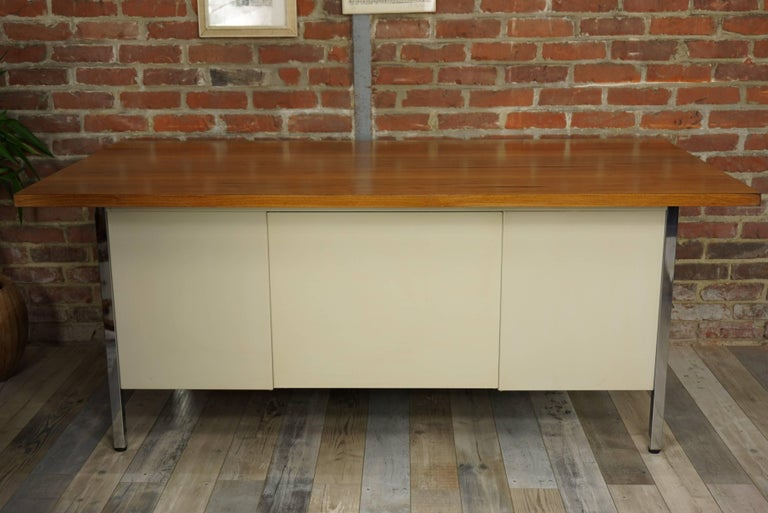 French Design Wooden and Metal Rare Executive Desk from the 1950s by Strafor For Sale 9