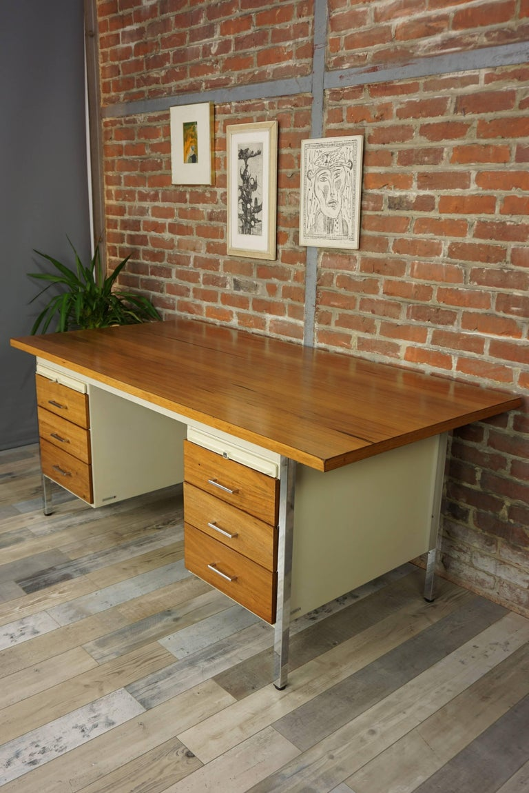 French Design Wooden and Metal Rare Executive Desk from the 1950s by Strafor For Sale 11