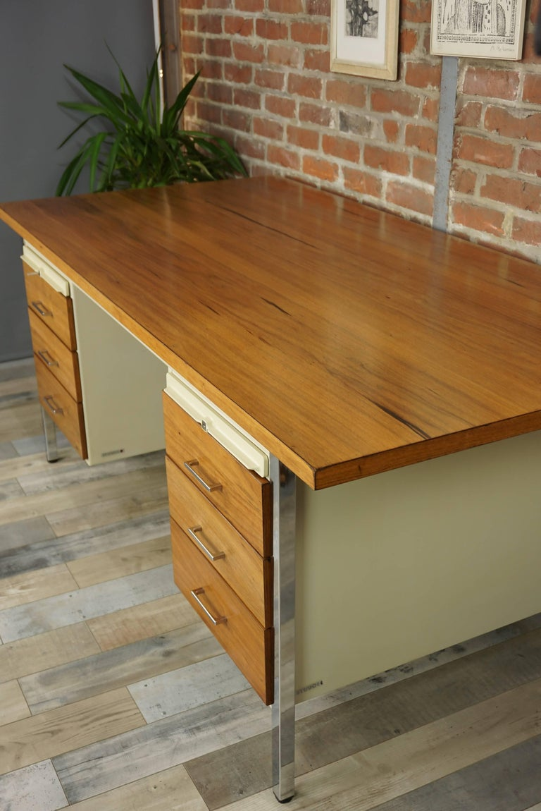 French Design Wooden and Metal Rare Executive Desk from the 1950s by Strafor For Sale 1