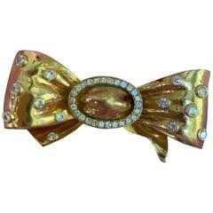 French Diamond 18 Karat Gold Ribbon Bow Fur Clip Brooch Pin
