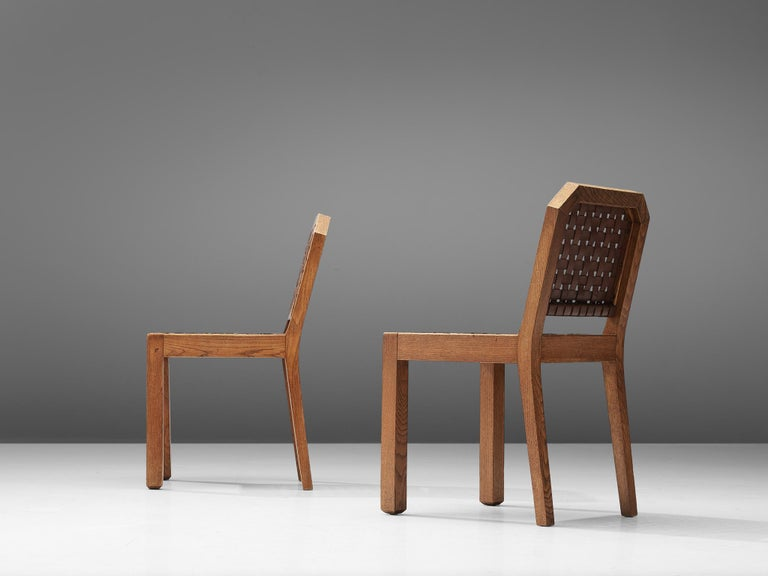 French Set of Eight Dining Chairs in Oak and Woven Leather For Sale 1