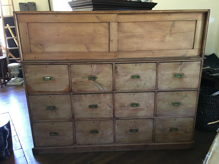 French Drapery Makers Campaign Cabinet, circa 1900s In Good Condition For Sale In Savannah, GA