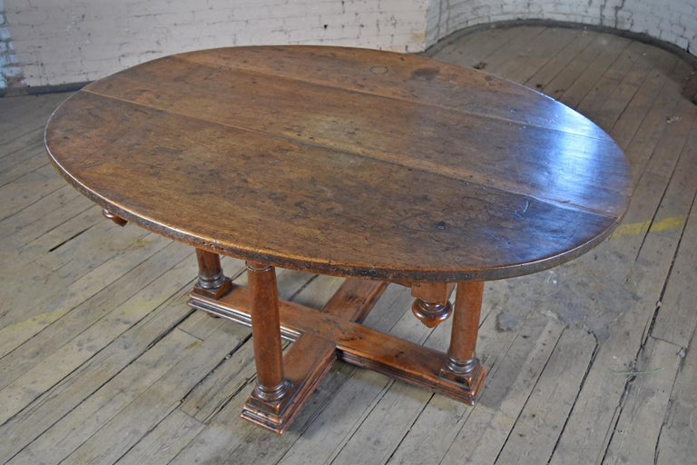 Renaissance French Early 17th Century Henry IV Oval Walnut Center or Dining Table For Sale