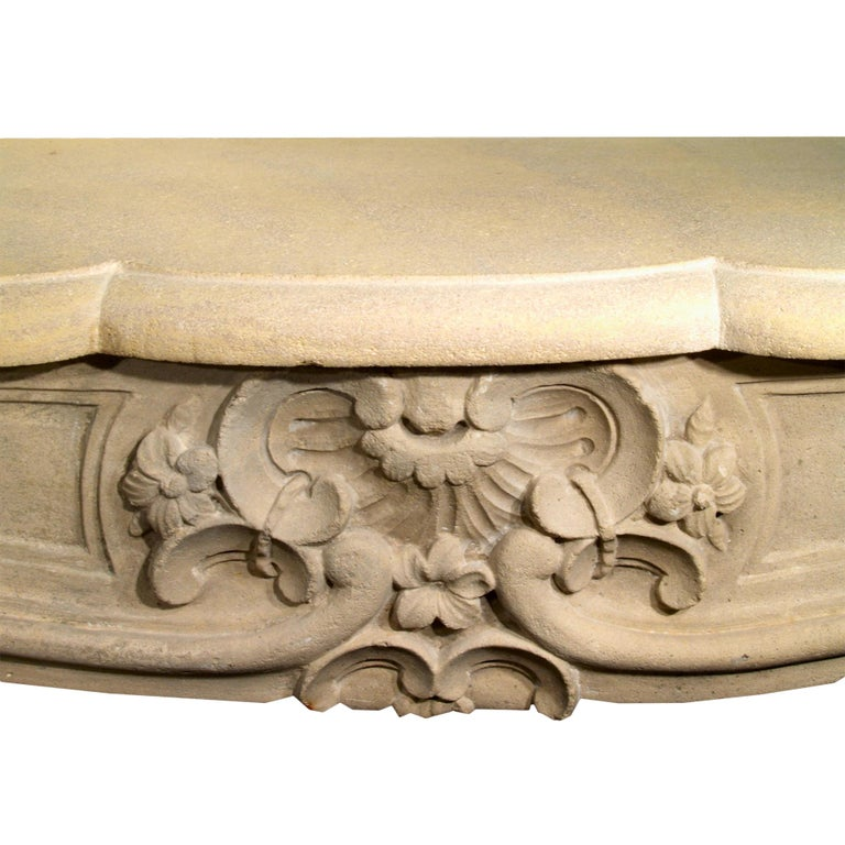 French Early 19th Century Louis XV Style Limestone Fireplace Mantel In Excellent Condition For Sale In West Palm Beach, FL