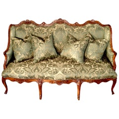 French Early 19th Century Louis XV Style Walnut Canapé