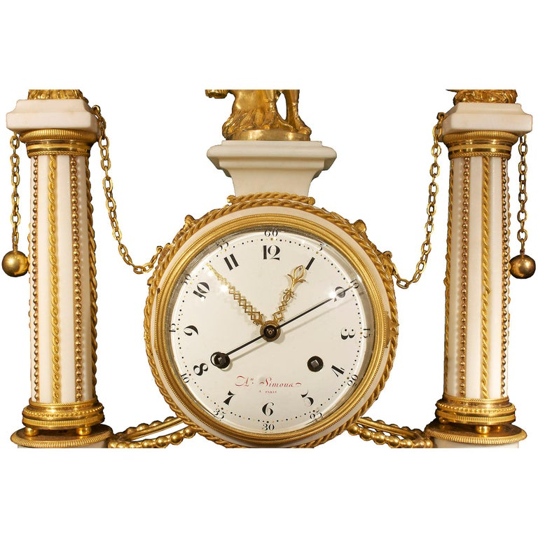 French early 19th century Louis XVI period  clock, signed Simona à Paris In Excellent Condition For Sale In West Palm Beach, FL