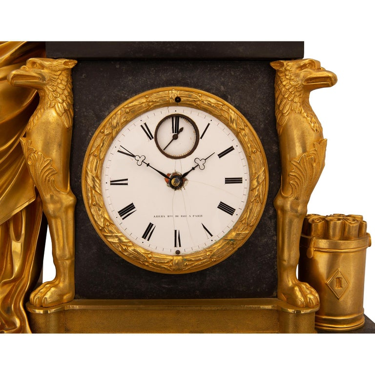 French Early 19th Century Neoclassical St. Ormolu Mounted on Black Marble Clock For Sale 3