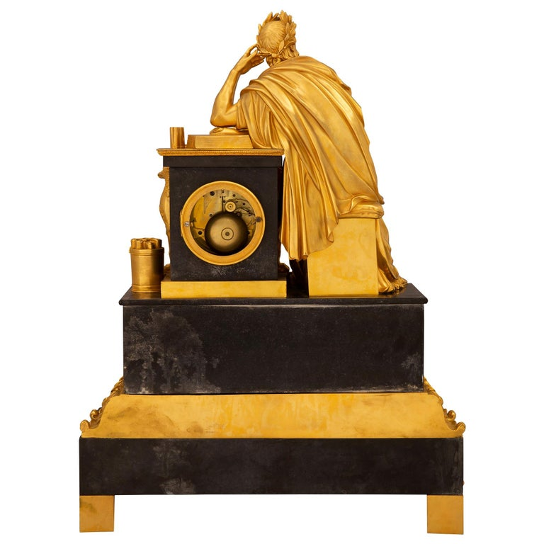 French Early 19th Century Neoclassical St. Ormolu Mounted on Black Marble Clock For Sale 6