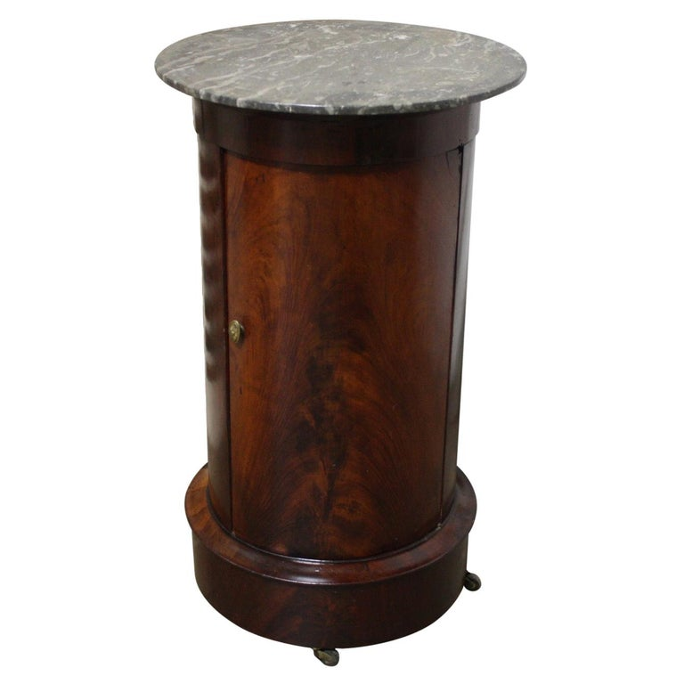 French Early 19th Century Side Table For Sale
