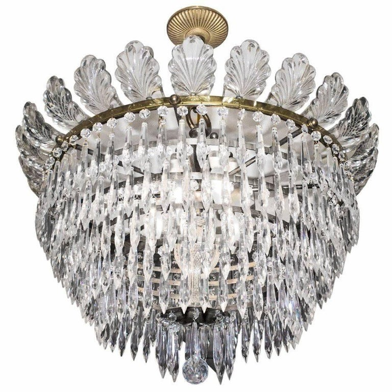 French Early 20th Century Crystal and Gilt Chandelier For Sale