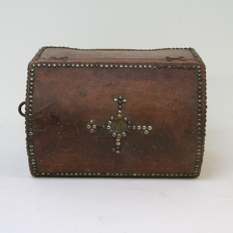 French Early 20th Century Folk Art Vintage Leather Box For Sale 4