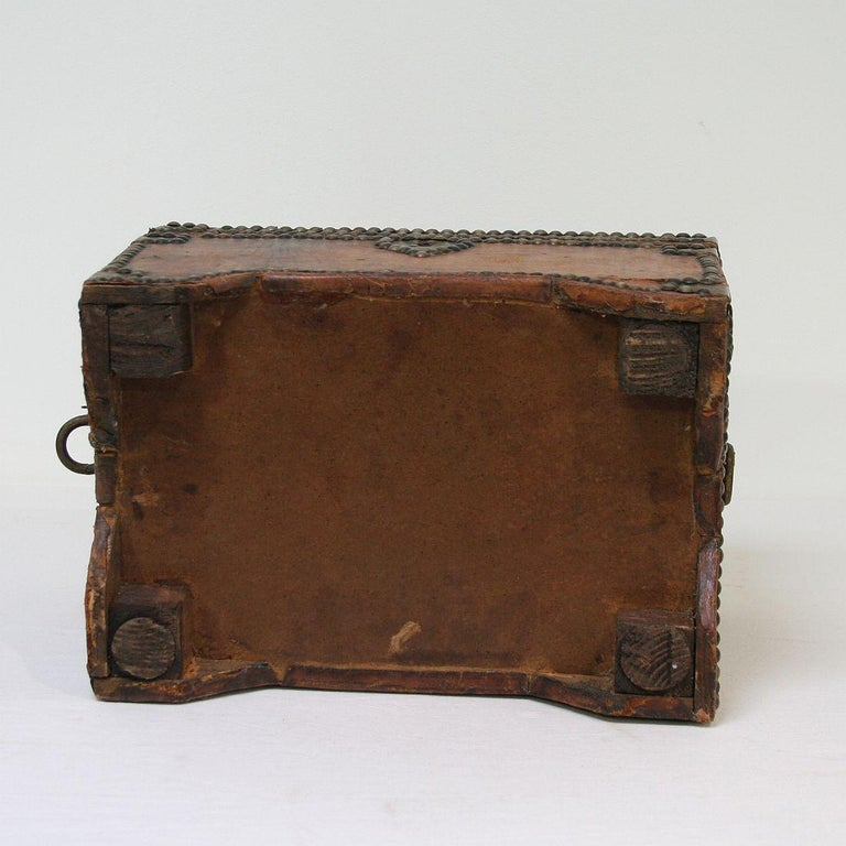 French Early 20th Century Folk Art Vintage Leather Box For Sale 5