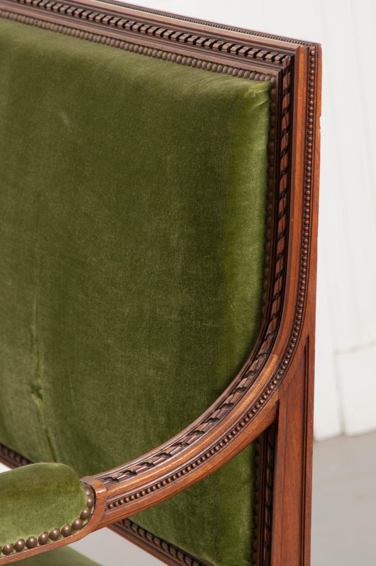 French Early 20th Century Louis XVI Style Upholstered Settee For Sale 5