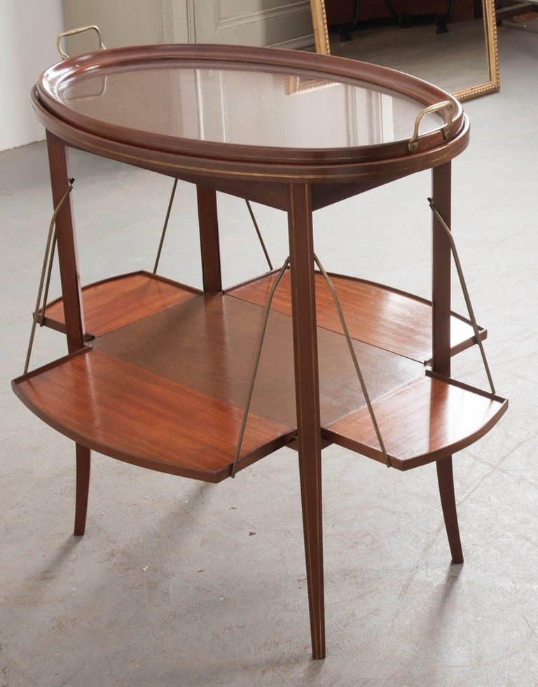 French Early 20th Century Oval Mahogany Tea Table For Sale 1