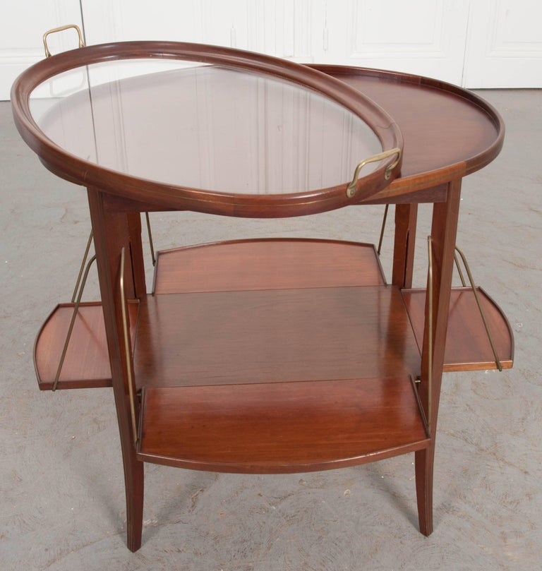 French Early 20th Century Oval Mahogany Tea Table For Sale 4
