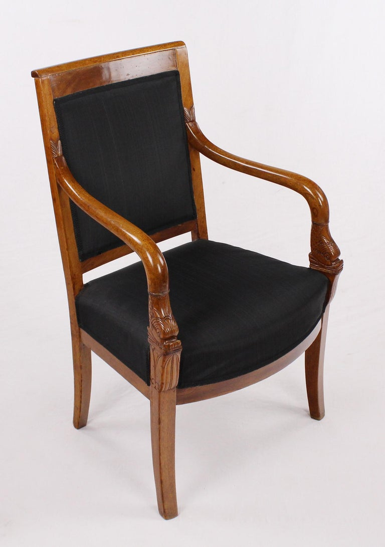 Early 19th Century French Empire Armchair, Walnut, 1800-1810, Shellac Polish For Sale