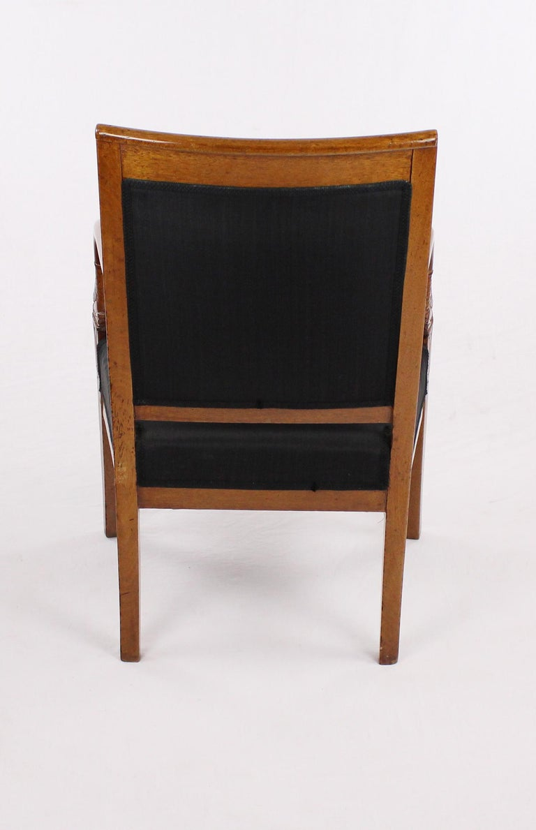 French Empire Armchair, Walnut, 1800-1810, Shellac Polish For Sale 3