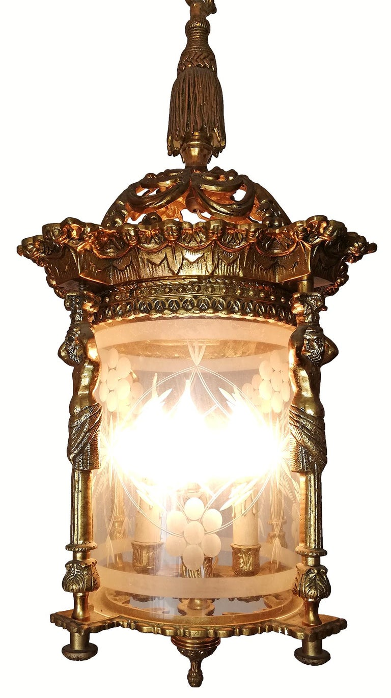 19th Century French Empire Caryatids Fire Gilded Bronze Cut Glass 4-Light Lantern Chandelier For Sale
