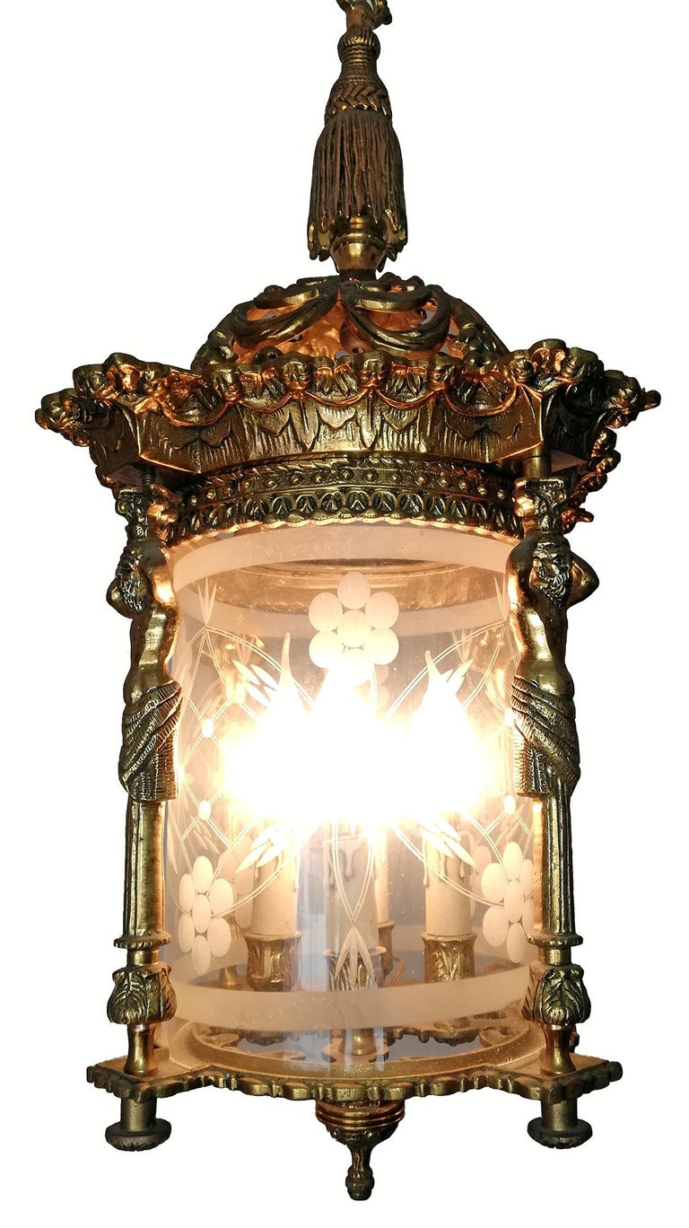 French Empire Caryatids Fire Gilded Bronze Cut Glass 4-Light Lantern Chandelier For Sale 2