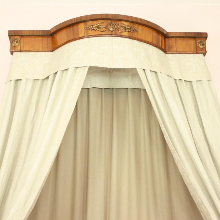 French Empire Daybed with Demilune Canopy, circa 1815 In Excellent Condition For Sale In Berlin, DE