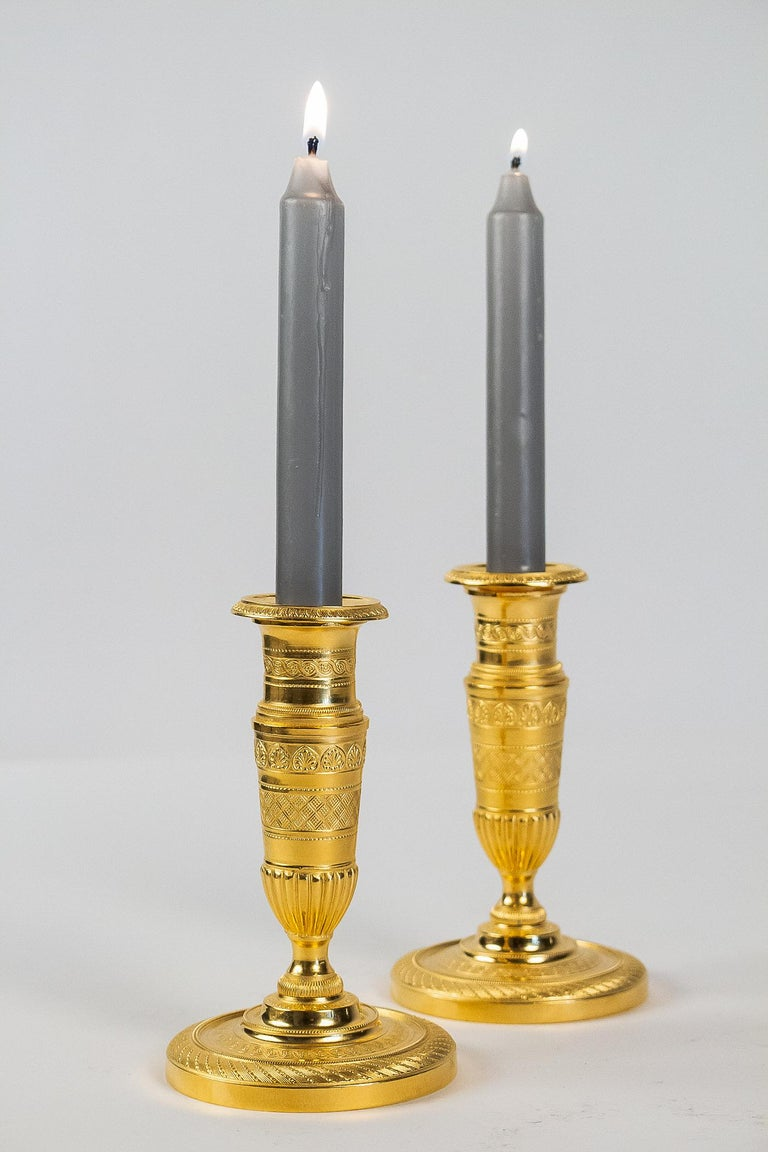 French Empire Period, Pair of Small Gilt-Bronze Candlesticks, circa 1805 In Good Condition For Sale In Saint Ouen, FR