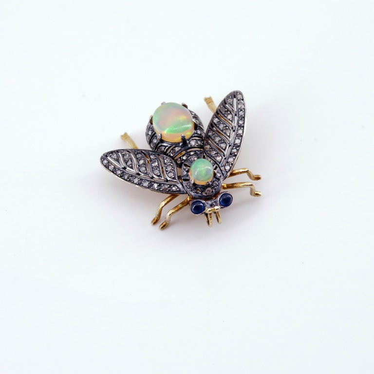 French En Tremblant Fly Pendant or Brooch with Diamonds, Opals, Sapphires For Sale 2