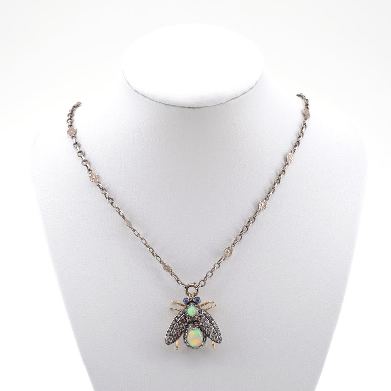French En Tremblant Fly Pendant or Brooch with Diamonds, Opals, Sapphires For Sale 3