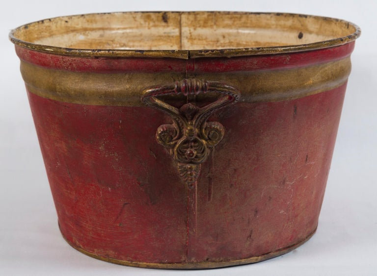 French Enamelware Basin, Early 20th Century In Good Condition For Sale In Chappaqua, NY