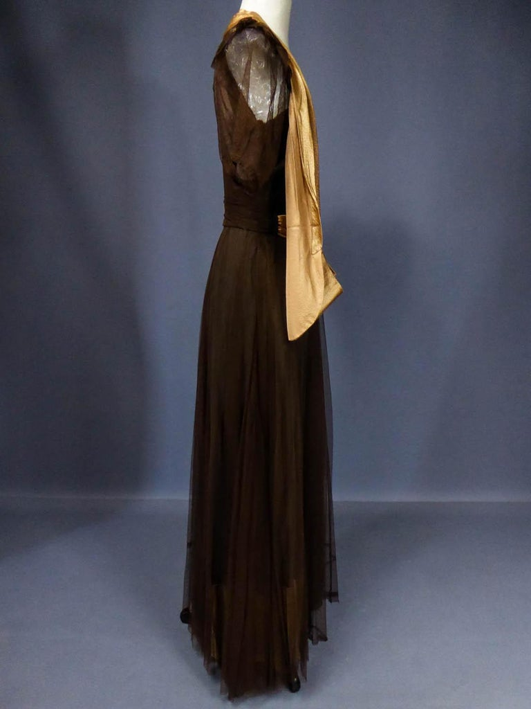 French Evening Dress in Tulle net and Goffered Satin Silk Circa 1930/1940 For Sale 6