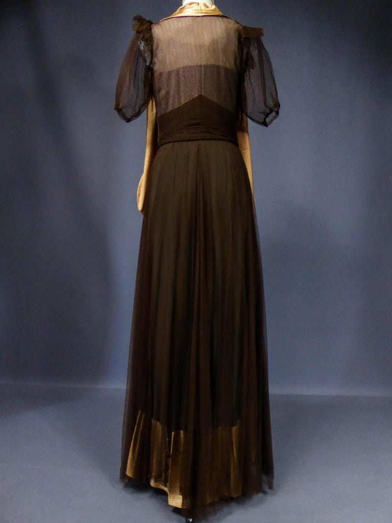 French Evening Dress in Tulle net and Goffered Satin Silk Circa 1930/1940 For Sale 7