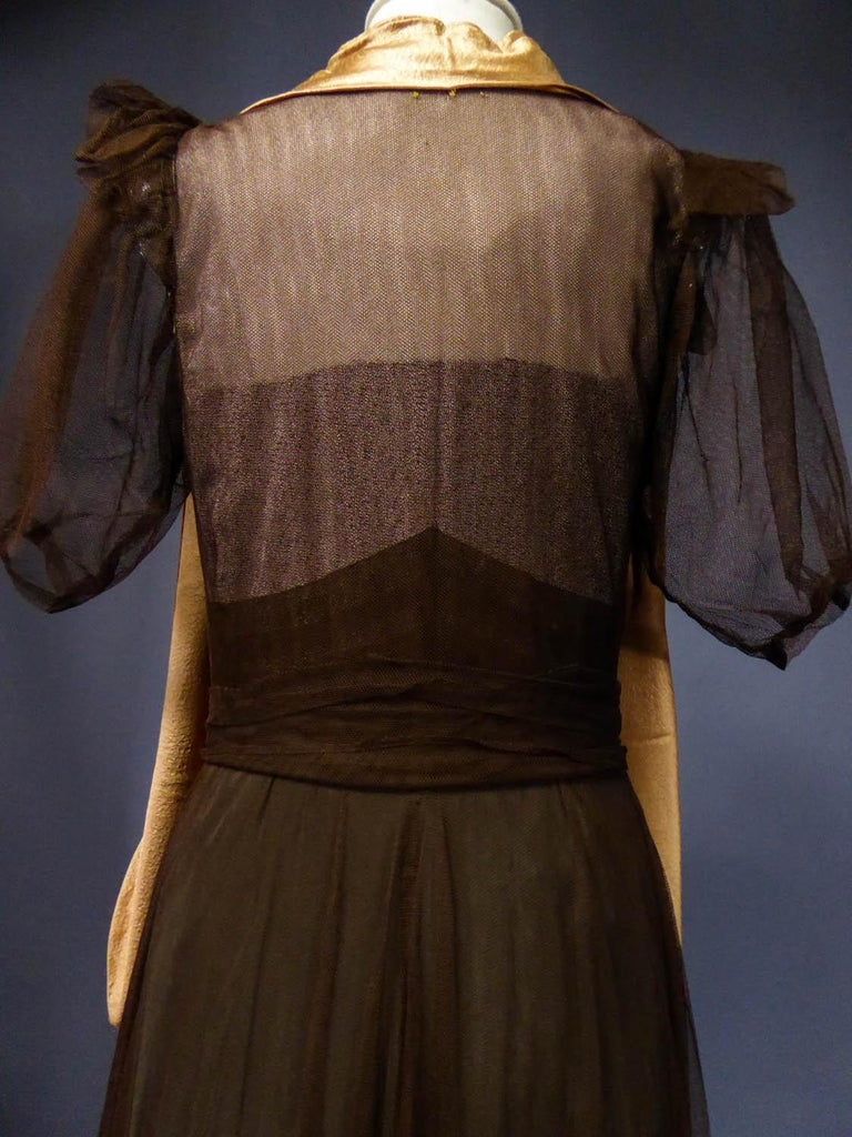 French Evening Dress in Tulle net and Goffered Satin Silk Circa 1930/1940 For Sale 9