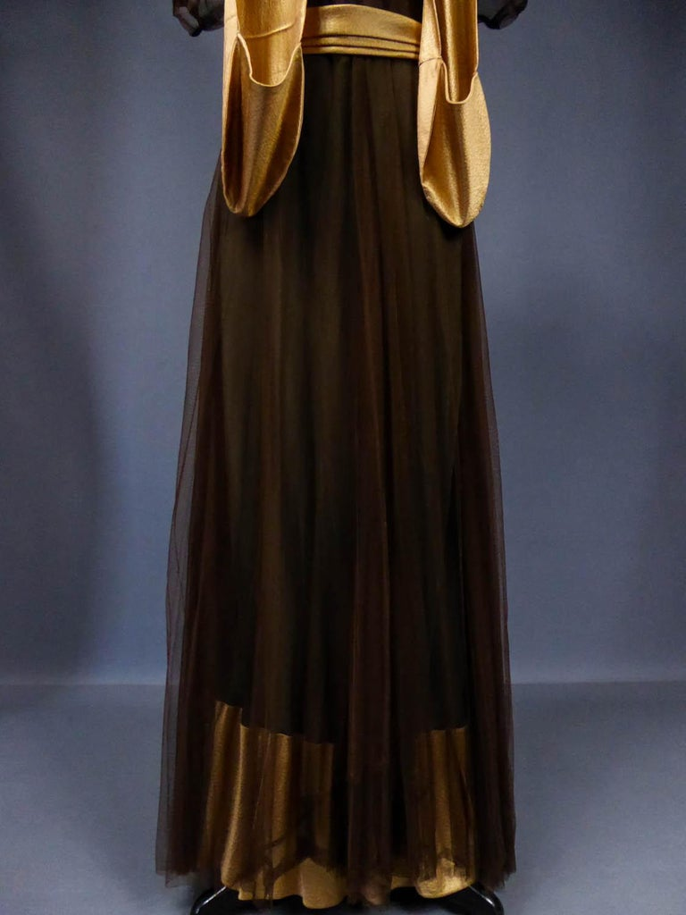 French Evening Dress in Tulle net and Goffered Satin Silk Circa 1930/1940 For Sale 1