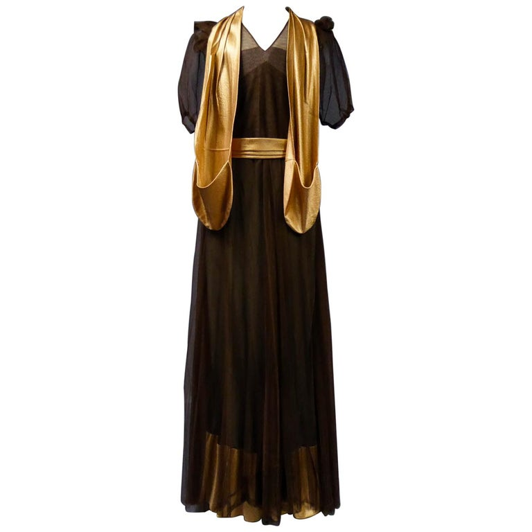 French Evening Dress in Tulle net and Goffered Satin Silk Circa 1930/1940 For Sale