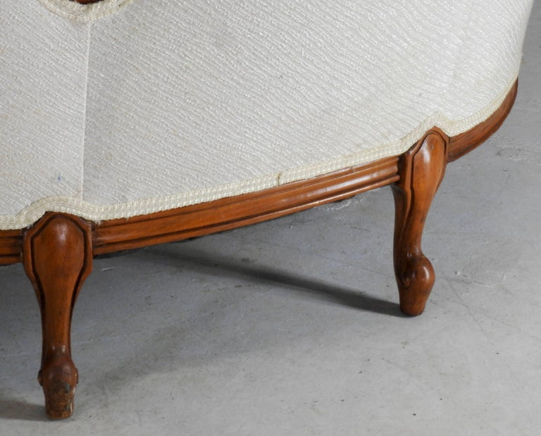 French Fabric with Wood Sofa Victorian For Sale 5