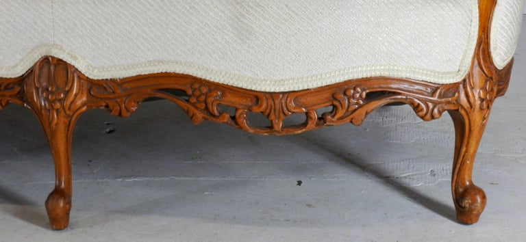 French Fabric with Wood Sofa Victorian For Sale 1