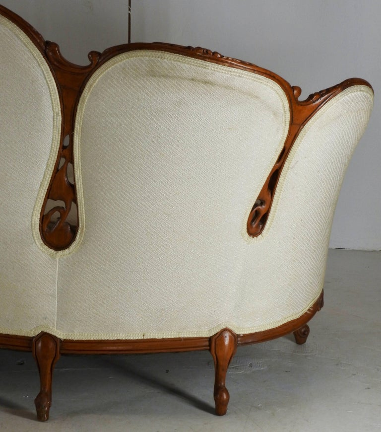 French Fabric with Wood Sofa Victorian For Sale 4