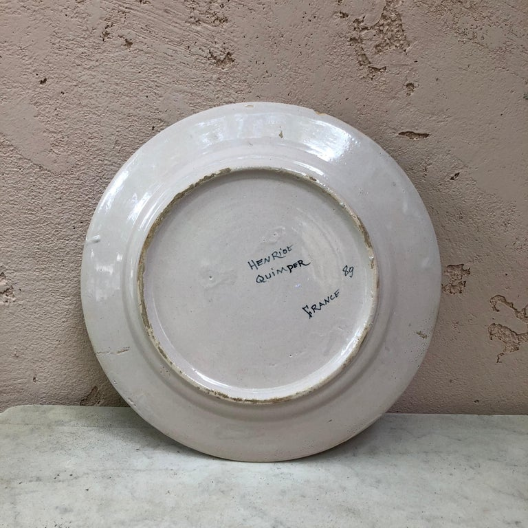 French Faience Bird Plate Henriot Quimper, circa 1930 In Good Condition For Sale In The Hills, TX