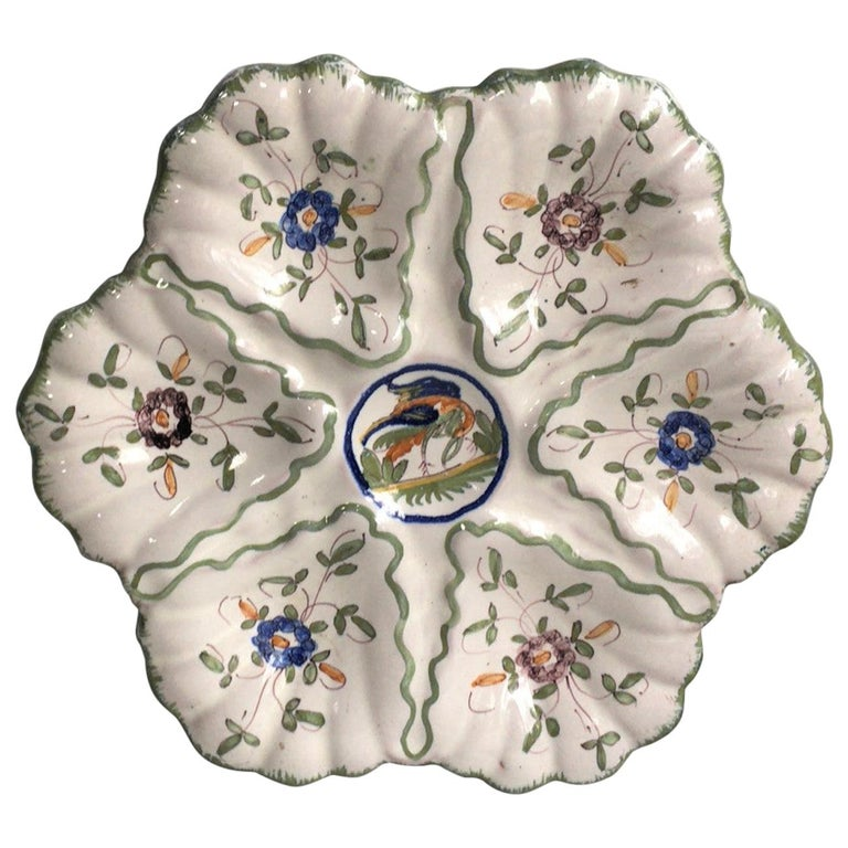 French Faience Oyster Plate Moustiers Style, circa 1940 For Sale