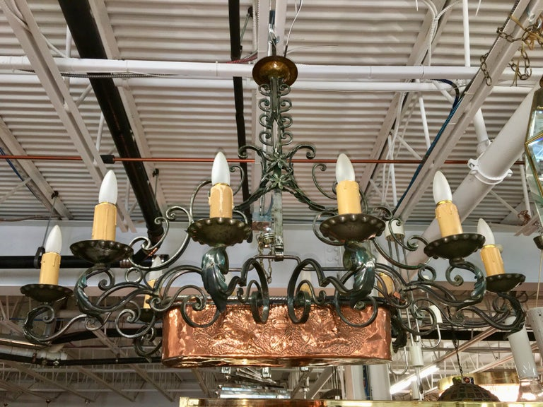 French Fer Forge 10-Light Chandelier with Copper Jardinière For Sale 3