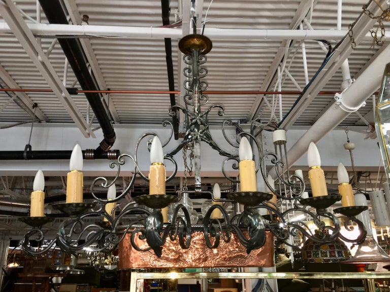 French Fer Forge 10-Light Chandelier with Copper Jardinière For Sale 4