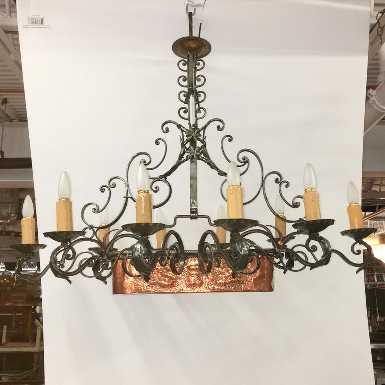 French Provincial French Fer Forge 10-Light Chandelier with Copper Jardinière For Sale
