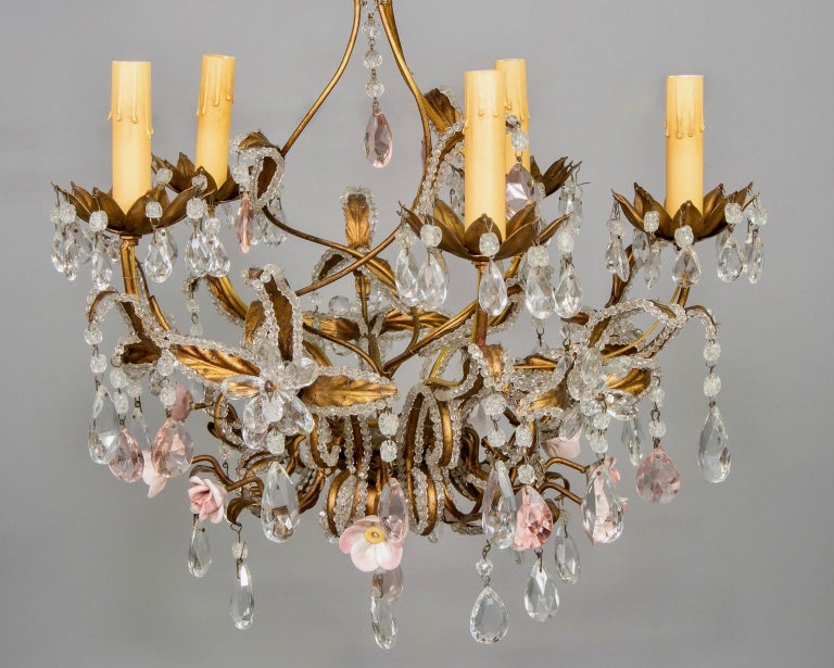 French Five-Light Gilt Metal and Crystal Chandelier with Porcelain Roses For Sale 1