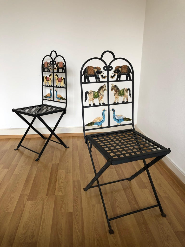 French Foldable Pair of Wrought Iron Garden Chairs with Animals Elephants Horse In Good Condition For Sale In London, GB
