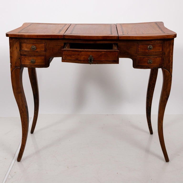 19th Century French Fruitwood Poudreuse For Sale